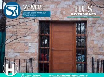 VENDE: Casa 3 Dorm S/ Emilio Mitre 630